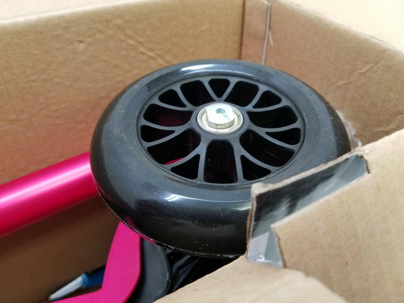 Micro Deluxe Scooter, Pink